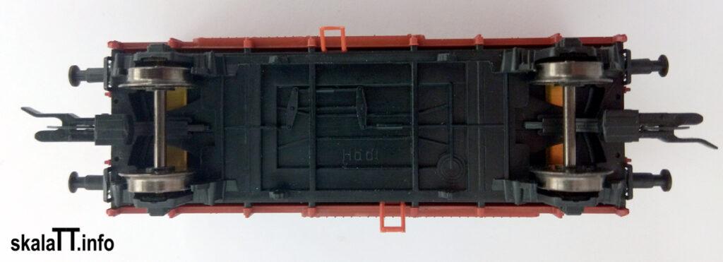 Hädl Manufaktur/EKA-model zestaw wagonów krytych pochodzenia włoskiego ep. IIIb nr kat. 553180 - widok na podwozie wagonu.
